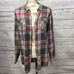 A153-Mudd large plaid button down